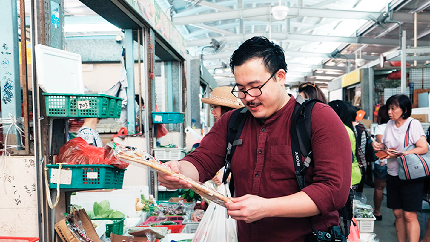 A Day With Woo Wai Leong at the market